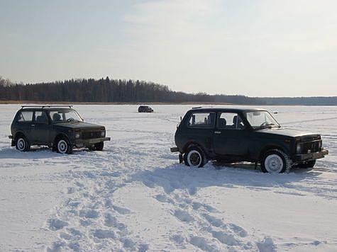 Лед около 60 см. Фото: Андрей Яншевский.