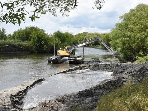 Расчистка реки Сейм. Фото: takt-tv.ru.